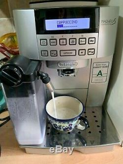 DeLonghi ECAM 22.360s Bean to Cup Coffee Machine + 3 descalers