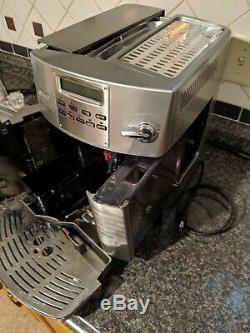 DeLonghi Magnifica EAM3400. N Coffee Espresso Cappuccino Latte Maker All-in-one