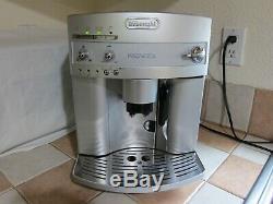 DeLonghi Magnifica ESAM3300 Super-Automatic Espresso/Coffee/Cappuccino/Latte
