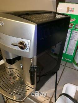 Delonghi Esam 3300 Magnifica Super-Automatic Espresso/Coffee/Latte/Cappuccino