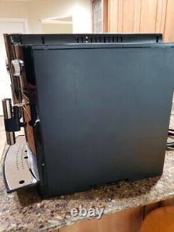 JURA C60 IMPRESSA Espresso/Coffee Machine with built in grinder