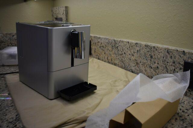 Jura Ena Micro 90 Automatic Coffee Center & Cappuccino/espresso Machine-new