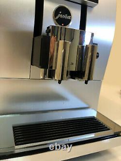 Jura Z8 Fully Automatic Espresso & Coffee Machine ONLY 188 CUPS BREWED Swiss