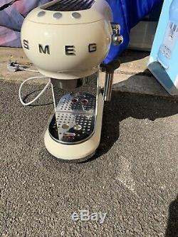 Smeg ECF01CRUK 15 Bar Coffee Machine Maker 1L Pod Ground Coffee Cream used Once